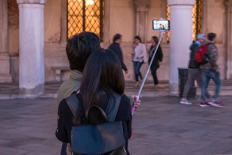 toerisme selfiestick